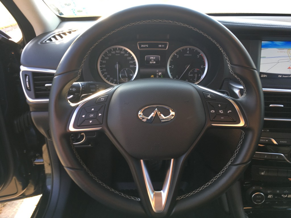 INFINITI Q30 2.2d AWD PREMIUM CITY BLACK