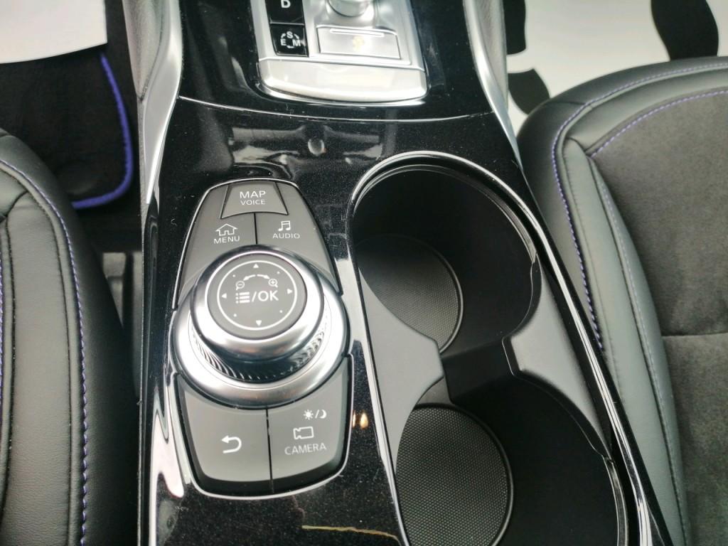 Infiniti Q30 2.2d AWD City Black