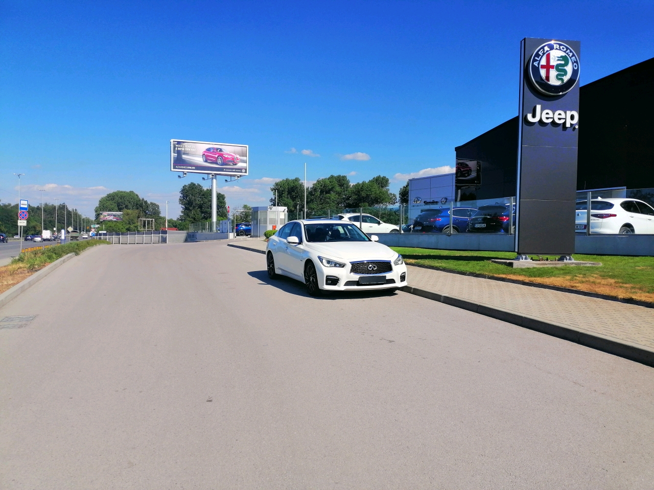 INFINITI Q50 3.5h AWD SPORT TECH